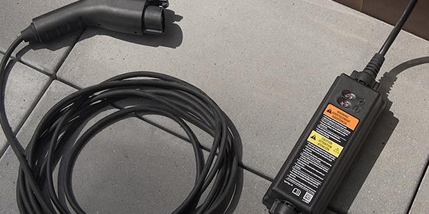 Carregador básico do carro elétrico Chevrolet Bolt EV
