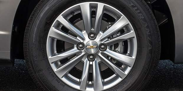 Sistema de freios ABS e ABD do novo carro sedan compacto Chevrolet Cobalt 2019