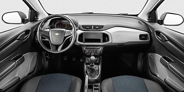 Confira o interior do novo Onix Joy, o carro mais vendido do Brasil, feito para garantir o máximo de conforto