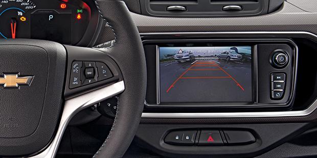 Alta tecnologia do novo Chevrolet Spin 2019 minivan de 7 lugares para estacionar com segurança com o sensor de estacionamento