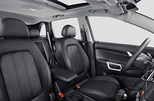 Parte interna da SUV Chevrolet Captiva 2016