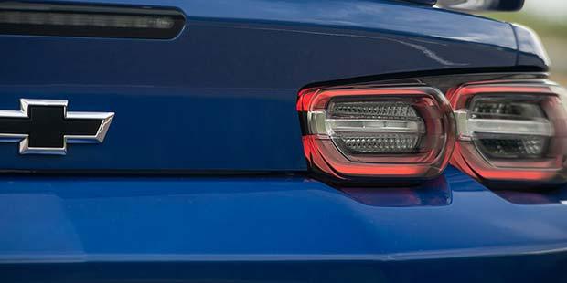 Lanternas em LED do novo Chevrolet Camaro Cupê SS 2019