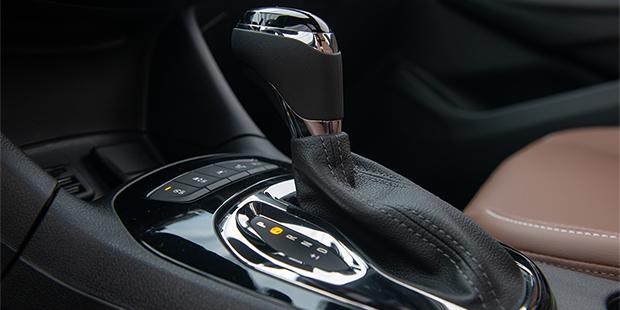 Chevrolet Cruze sedan 2020 com sistema Easy Park