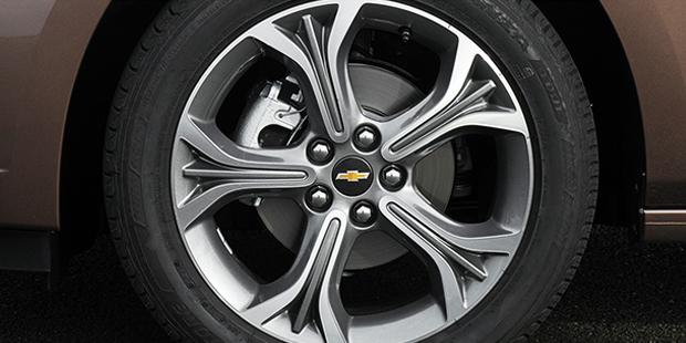 Novo Chevrolet Cruze sedan com controle de estabilidade e tração