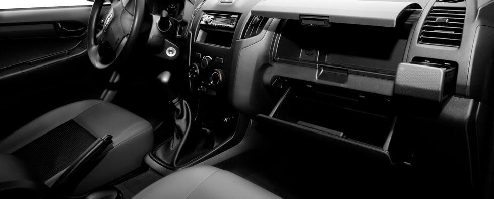 interior D-max CS