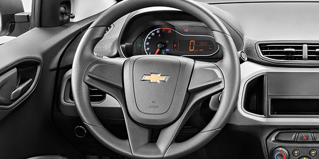 Painel digital com grafias e cores inéditas do carro sedan Prisma Joy 2019, carro sedan da Chevrolet